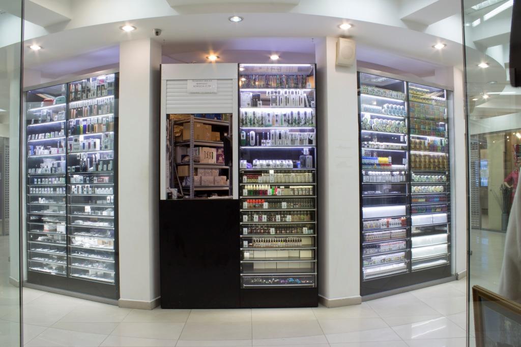 Магазин Электронных сигарет в Новосибирске в ТЦ Виндзор Вокзальная магистраль 5/1 вид спереди